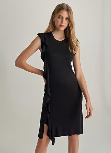NGSTYLE Volan Detaylı Triko Elbise Siyah